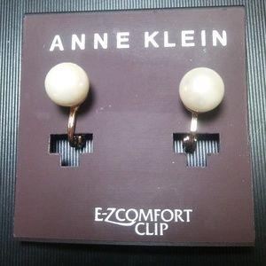 Ann Klein Pearl Earrings Set in Gold